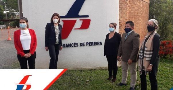 La embajadora de Francia en Colombia nos visitó esta semana