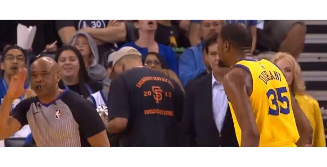 NBA: Kevin Durant, delantero de los Golden State Warriors, fue expulsado del juego contra los Denver Nuggets por discutir una jugada en el tercer periodo.