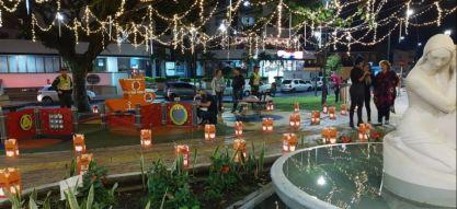 Los parques de la Avenida Circunvalar se llenaron de luz en las noches de velitas